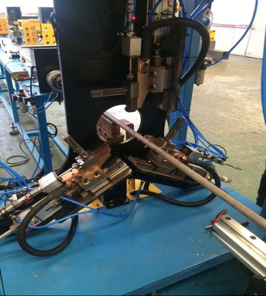 湿式除尘阴极线自动焊接生产线.png