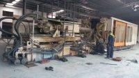 1850吨注塑机卸车组装定位