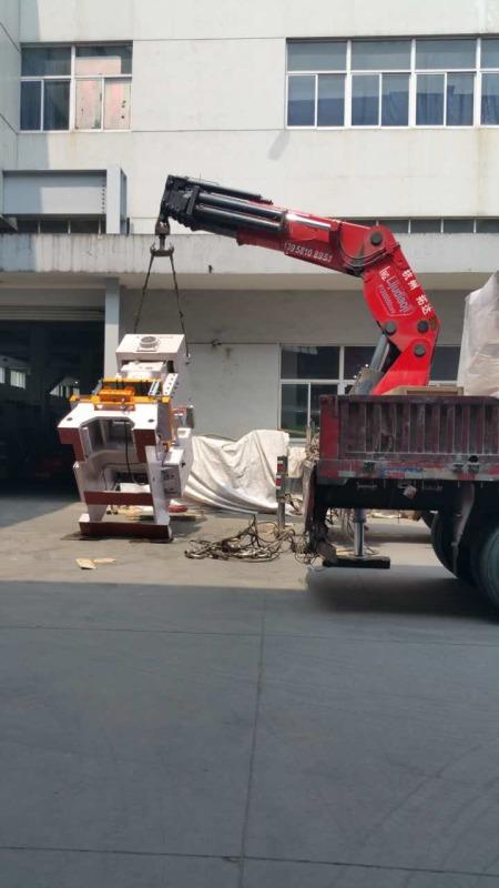 110吨冲床卸车定位.JPG