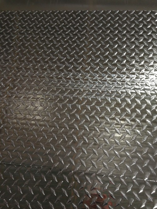 指针花纹铝板.jpg