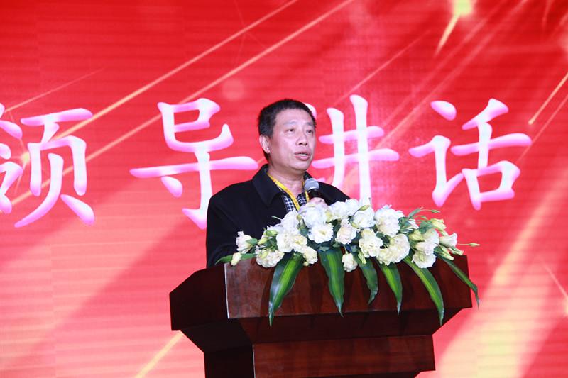 (29)2016年年會,湖南省工商聯黨組成員、副主席肖翔在大會上講話2016.1.17_副本.jpg
