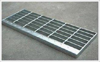 T3型踏步板(有前包的花紋板)