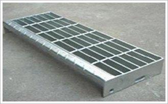 T4型踏步板(有花紋板和側擋板)
