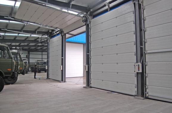 车库用工业提升门2.jpg