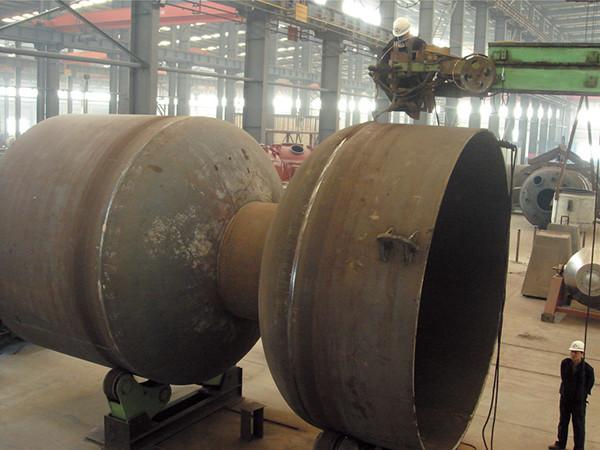 6-先进的大型埋弧焊接设备.jpg