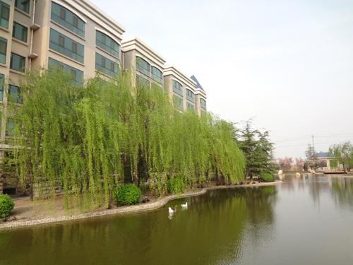 17-职工生活区住宅楼.JPG