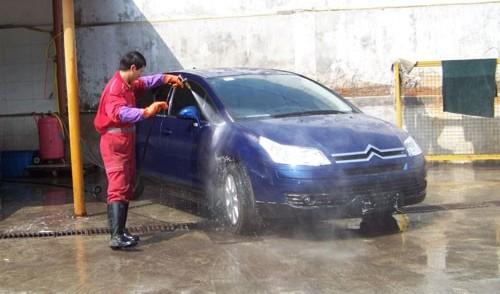 全自动洗车机洗的干净吗?